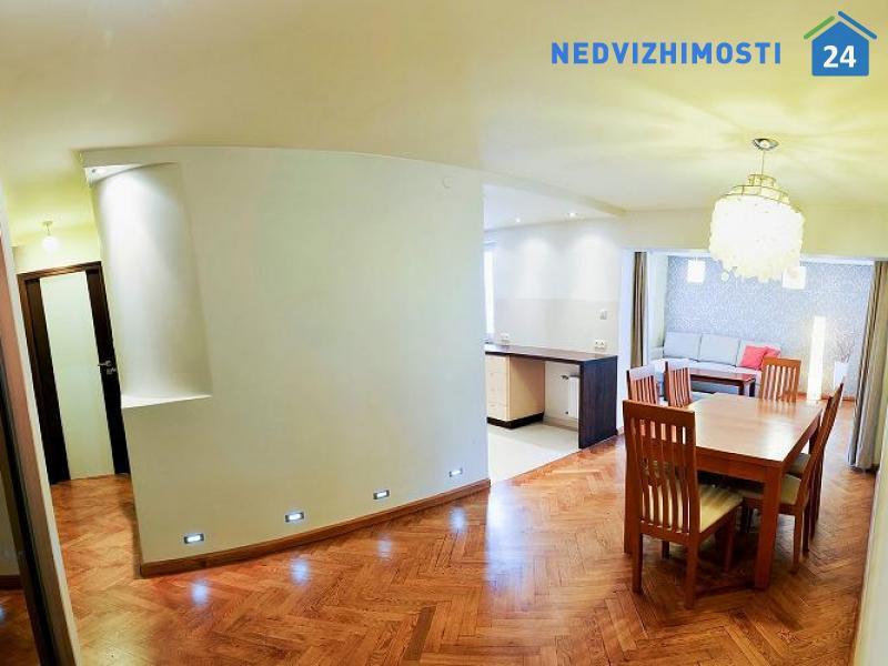 Трехкомнатная квартира в престижном районе Варшавы