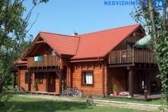Двухэтажный деревянный дом на Мазурских озерах, Мронгов