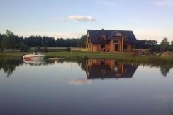 Деревянный дом возле озера, 200 м2, Мельник