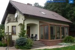 Современный дом недалеко от Свентокшиских гор, Кельце