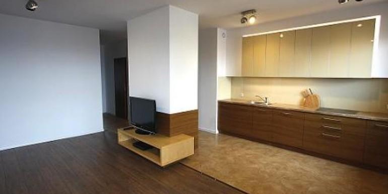 3-h-komnatnaya-kvartira-76-m2-katovitse 2