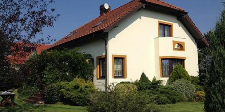 chastnyj-dom-252-m2-poznan 1