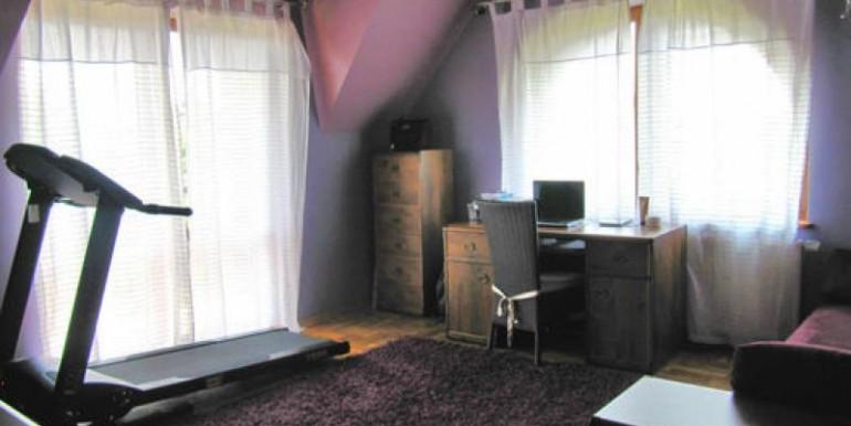 dom-220-m2-na-ul-korkowej-chenstohova 8