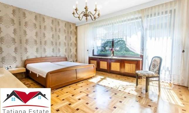 dom-s-krasivym-uchastkom-240-m2-katovitse 6