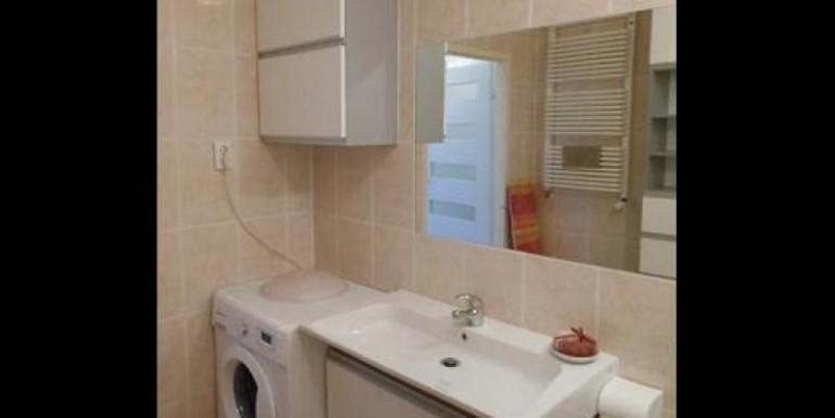 kvartira-so-svezhim-remontom-40-m2-vrotslav 6