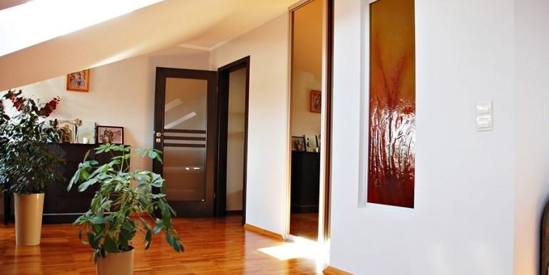 unikalnyj-dvuhurovnevyj-apartament-138-m2-zheshuv 4