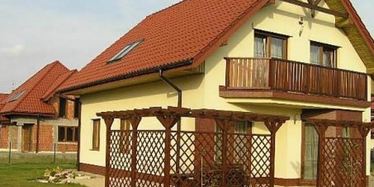 sovremennyj-dom-180-m2-zheshuv 2