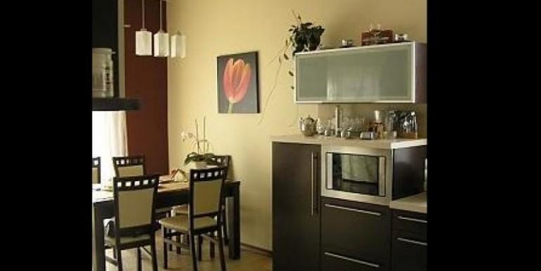 sovremennyj-dom-180-m2-zheshuv 7