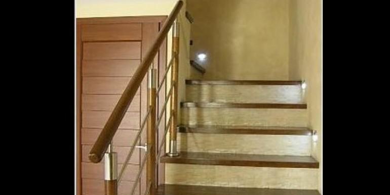 sovremennyj-dom-180-m2-zheshuv 8