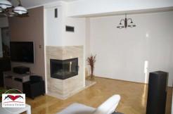 Двухуровневая квартира с садом и двумя гаражами, Катовице