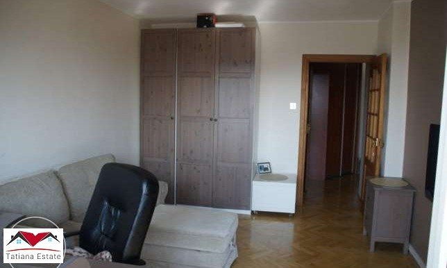kvartira-s-sadom-i-dvumya-garazhami-katovitse 7