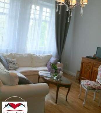 prostornyj-apartament-v-tsentre-katovits 2
