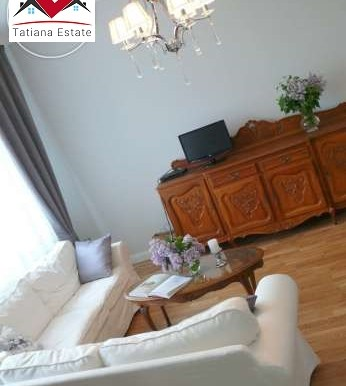 prostornyj-apartament-v-tsentre-katovits 5