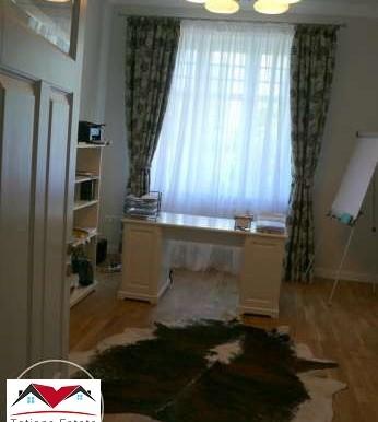 prostornyj-apartament-v-tsentre-katovits 6
