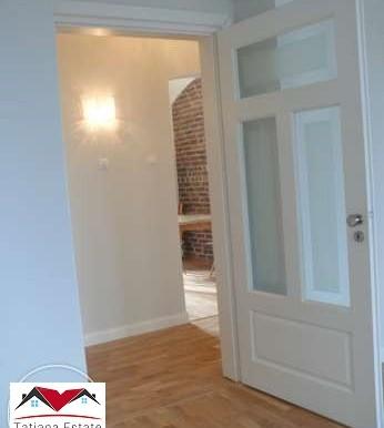prostornyj-apartament-v-tsentre-katovits 7