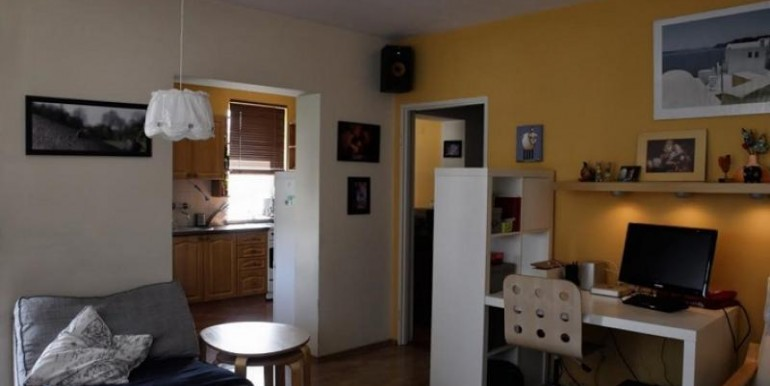 trehkomnatnaya-kvartira-v-krakove-74-m2 5