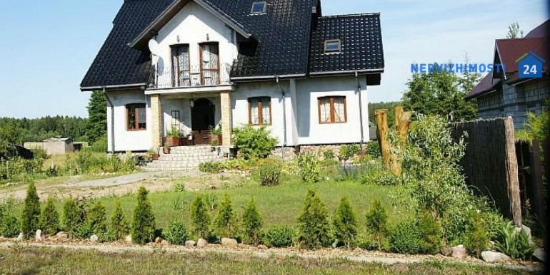 dom-u-ozera-250-m2-avgustov 1