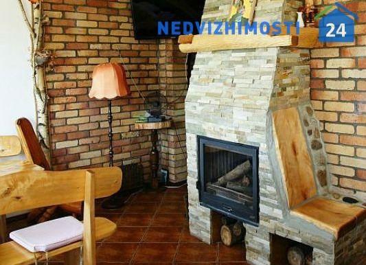 dom-u-ozera-250-m2-avgustov 10