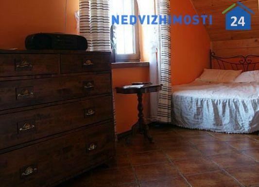 dom-u-ozera-250-m2-avgustov 3