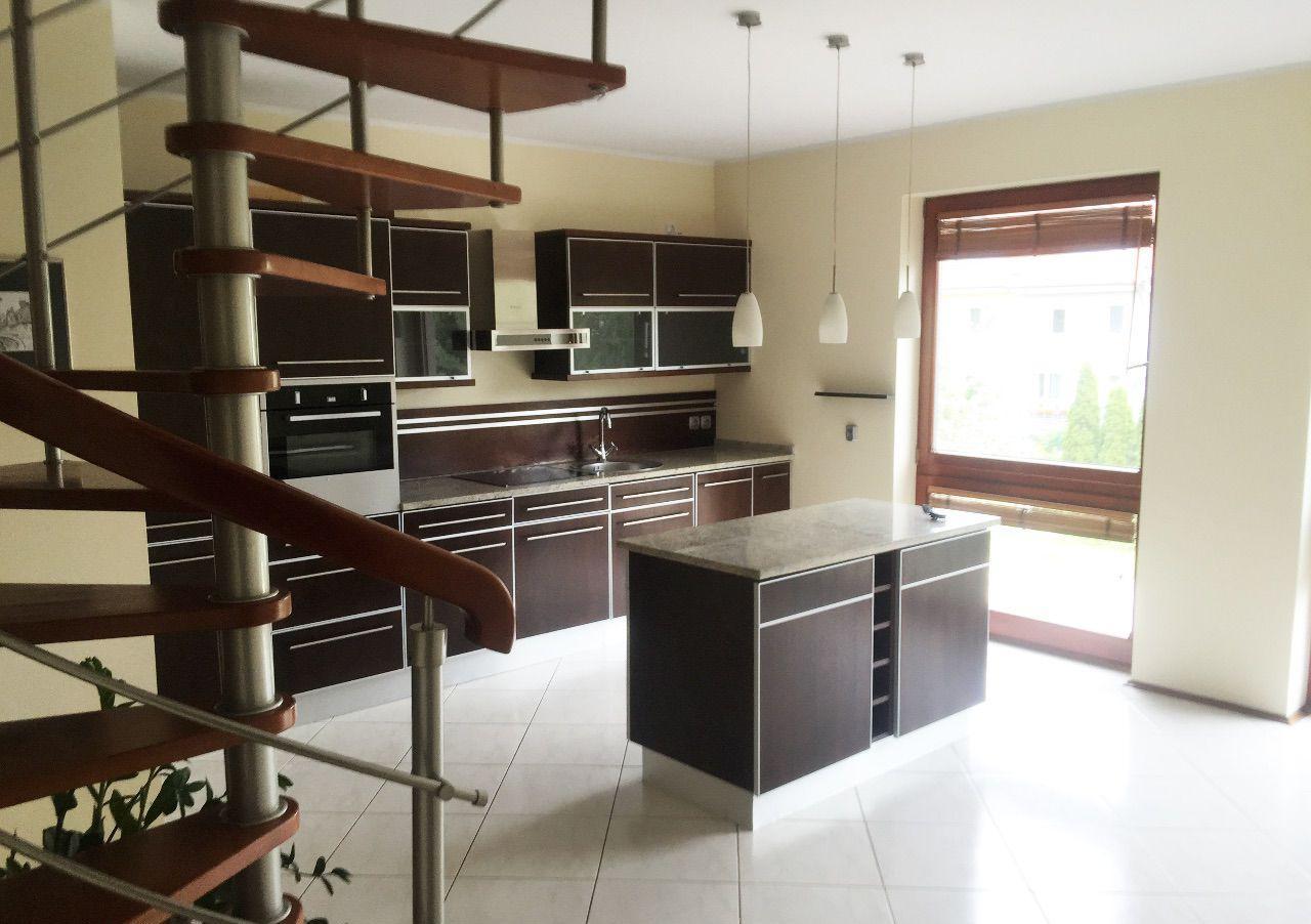Красивая двухуровневая квартира в Познани 99 м2