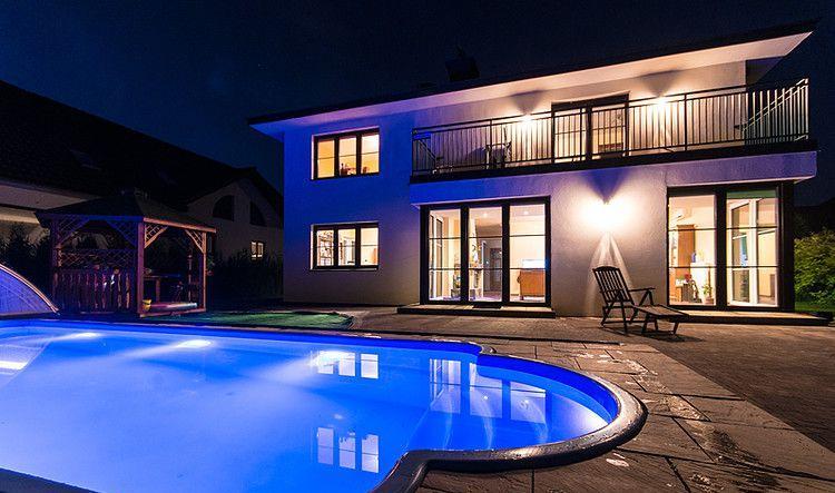 Роскошный дом с бассейном в Варшаве 327 м2