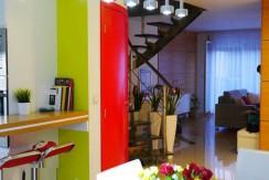 Красивая двухуровневая квартира во Вроцлаве 88 м2