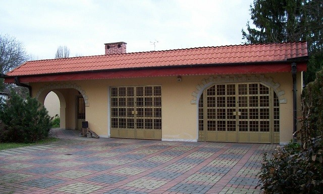 11732918_7_1280x1024_dom-wolnostojacy-i-garaze