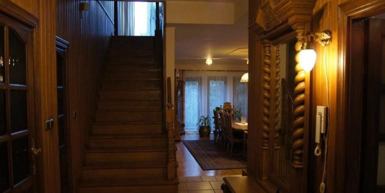 12090440_4_1280x1024_dom-380m2-z-ogrodem-praga-poludnie-biskupia-sprzedaz