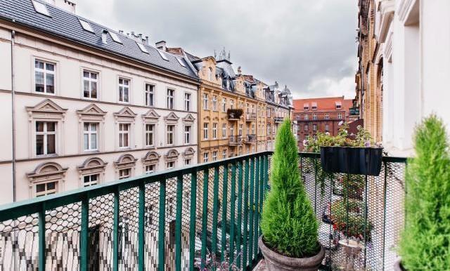 12181524_19_1280x1024_klimatyczne-mieszkanie-875-m2-w-centrum-poznania-_rev005