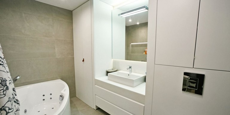 17646828_7_1280x1024_apartament-w-angel-wawel-108m2
