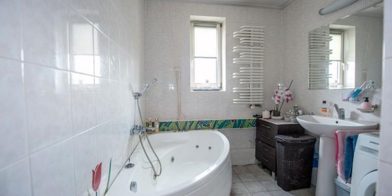 17892930_9_1280x1024_3-pokojowe-mieszkanie-652-m2-sybirakow-centrum