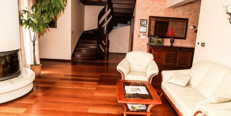 17441654_3_1280x1024_ladny-dom-z-pieknym-ogrodem-do-sprzedania-domy_rev001