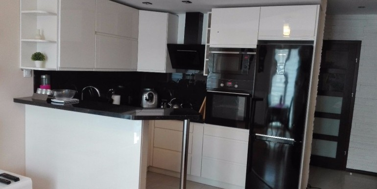 18177096_2_1280x1024_atrakcyjne-mieszkanie-4-pokoje-ul-koralowa-dodaj-zdjecia_rev026