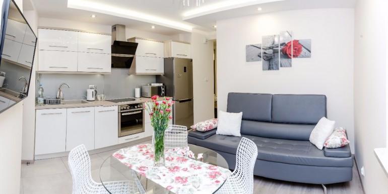 19025943_7_1280x1024_apartament-ul-fredry-8-wysoki-standard-parking