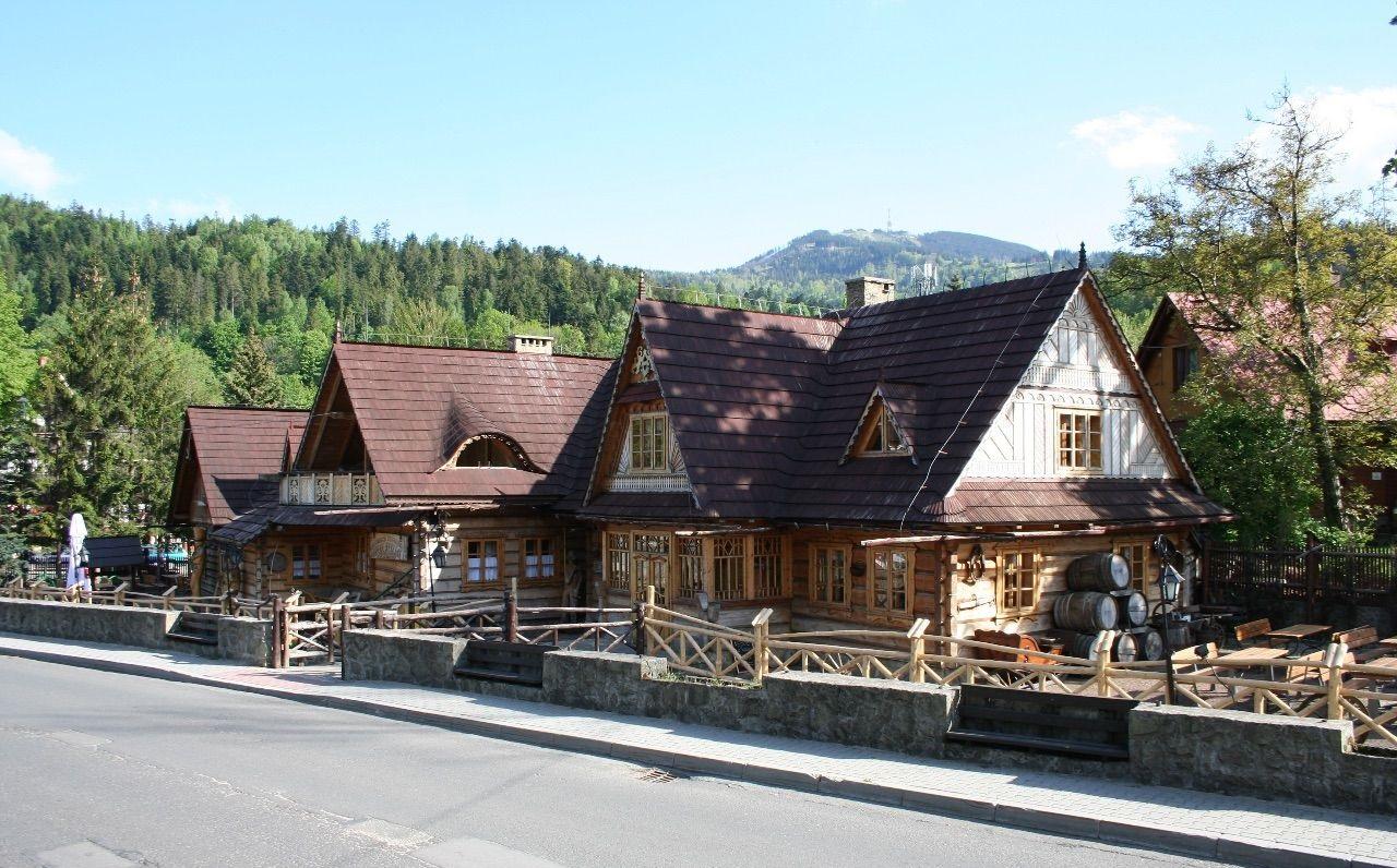 Ресторан-гостиница в горах 500 м2, Щирк