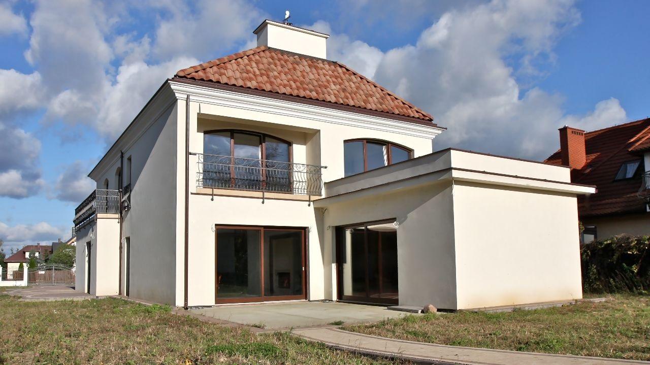 Дом около Варшавы 294 м2