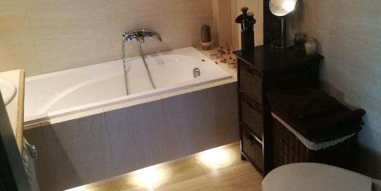 24450876_13_1280x1024_mieszkanie-3-pokojowe-z-garazem-ul-dozynkowa-_rev001